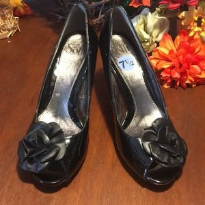 New Sofft Black Patent Leather Heels